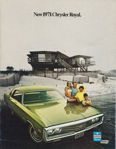 1971 Chrysler Royal Salesfolder Cover showing the Royal 4-Door Hardtop